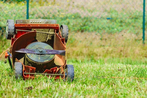 A Guide to Sharpen Lawn Mower Blades without Removing – DIY