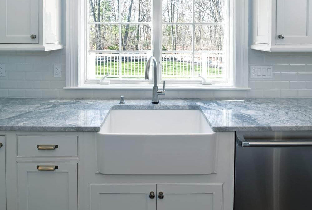 A Guide to Buy Fireclay Farmhouse Sink for Your Kitchen