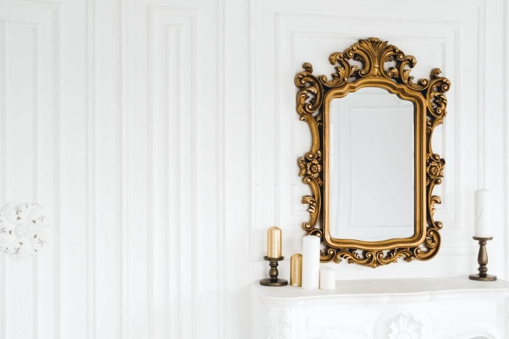 Why Use Antique wall Mirrors in the interior
